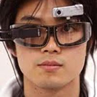 Японцы изобрели очки-переводчик